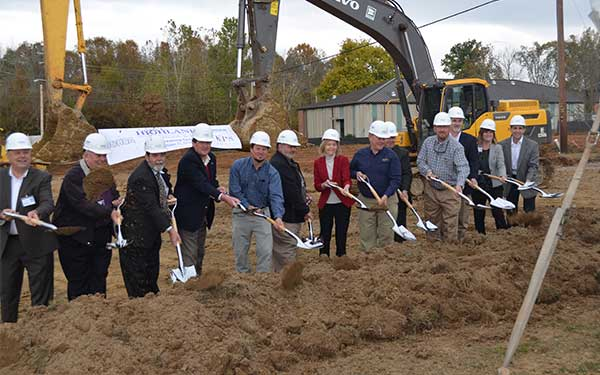 HighlandsGroundBreaking1